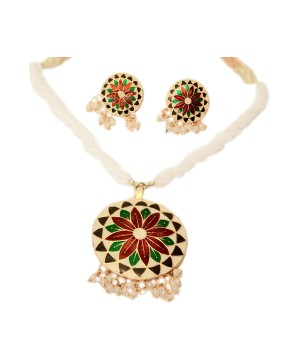 Christmas Floral Motif Necklace and Earrings Set