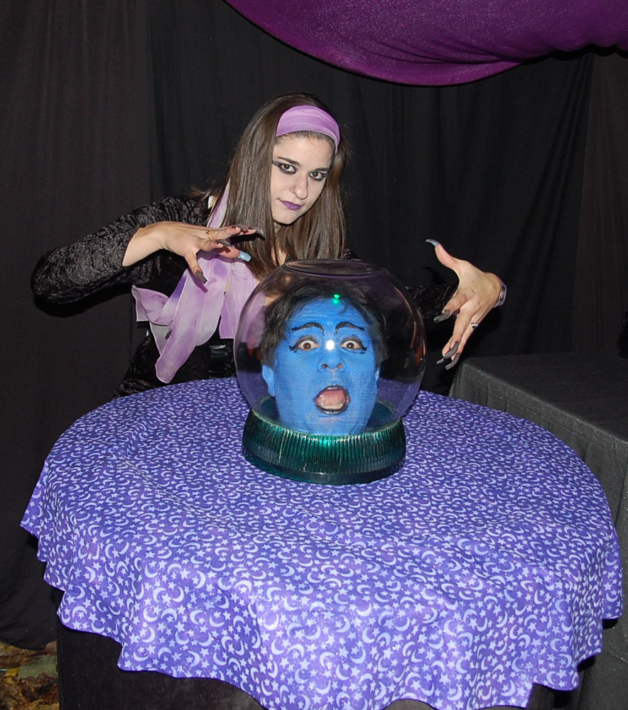 Halloween Crystal Ball With Head