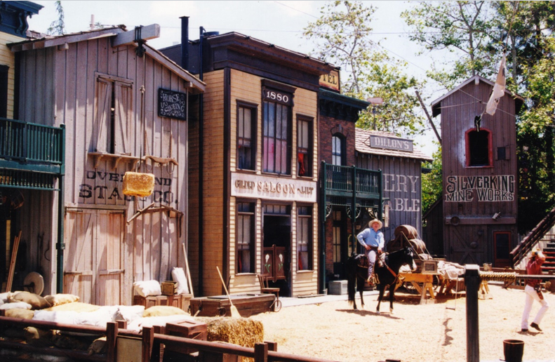 Western-Film-Small-Town